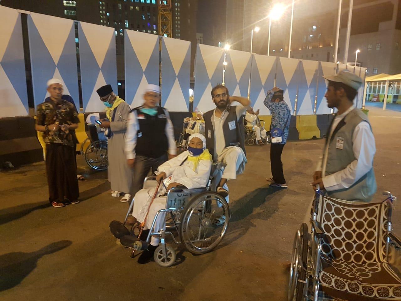 640 Koleksi Kursi Roda Jamaah Haji HD